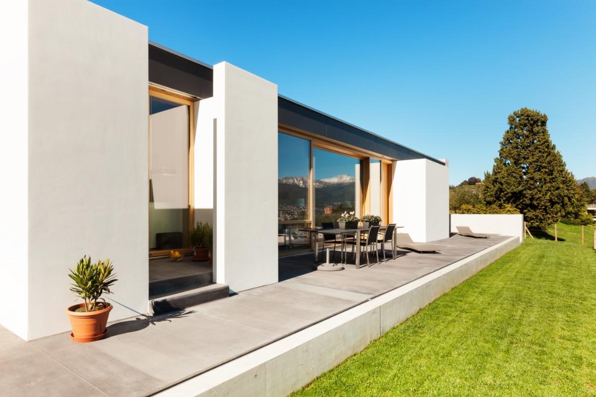 Terrasse en béton poli ou lissé : Caractéristiques, conseils et prix